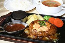 鉄板ハンバーグ~ガーリック醤油バターソース